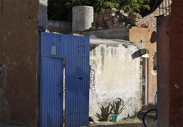 Image: Elisabeth McColl, Gate (San Miguel, Mexico), 2009