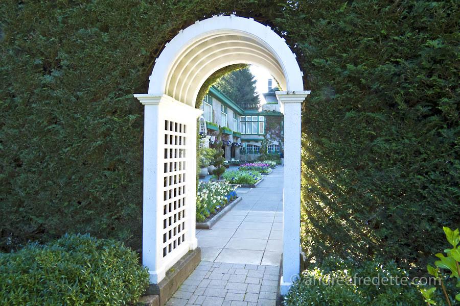 Entrance, Italian Garden at Butchart Gardens. Photo © Andrée Fredette