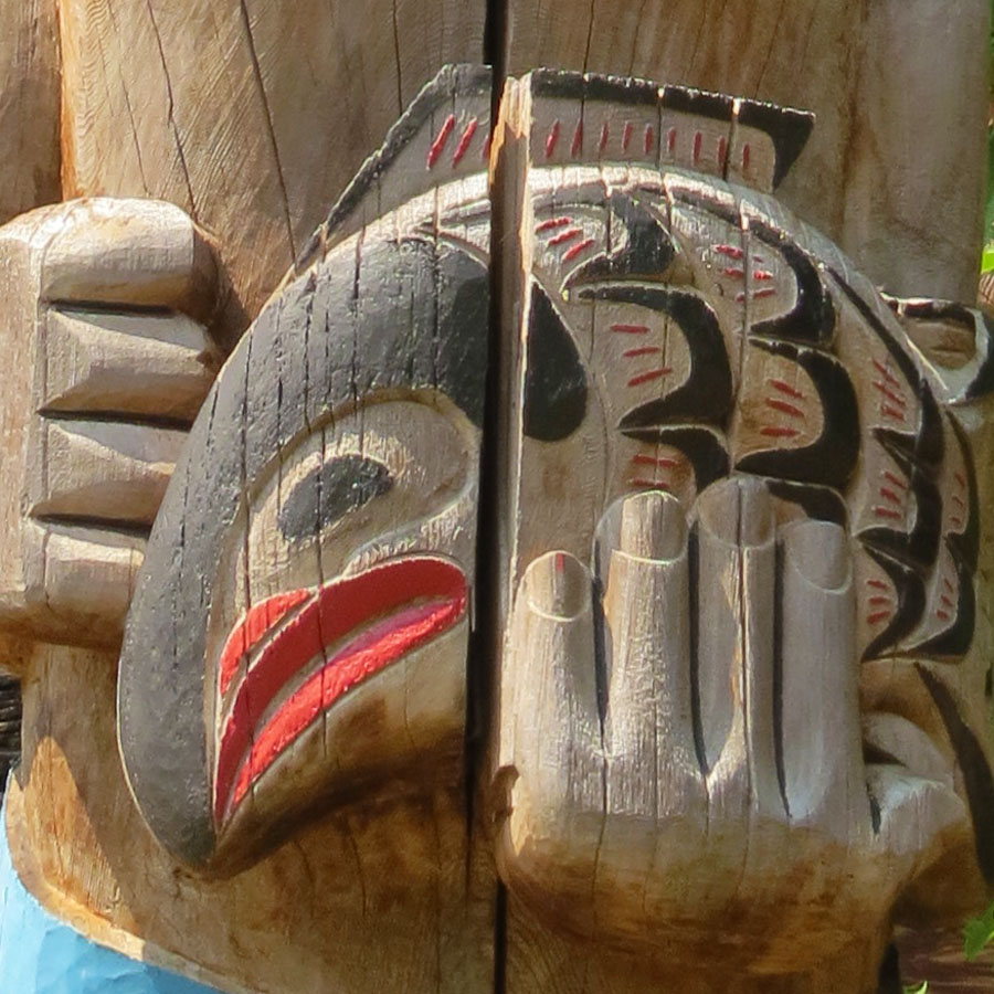 Cowichan pole detail. Quw'utsun' Cultural Centre, Duncan, BC. Photo by Andrée Fredette