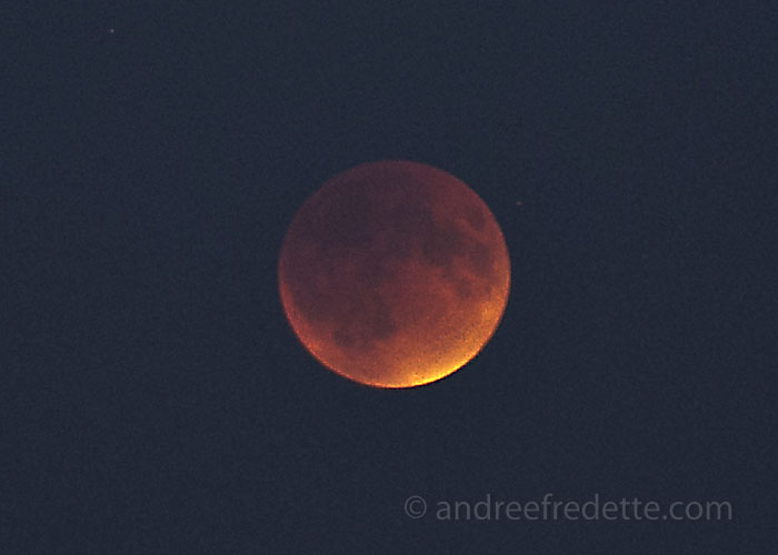 Red Moon at 7:51 pm on Saturna, September 27. Photo by Andrée Fredette