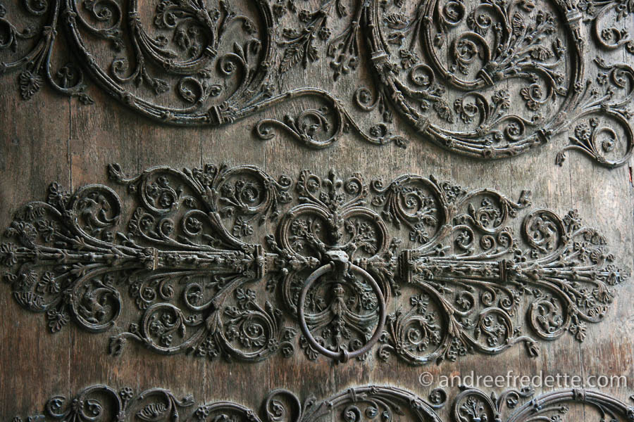 Detail of the carving, main doors, Notre Dame de Paris cathedral. Photo by Andrée Fredette