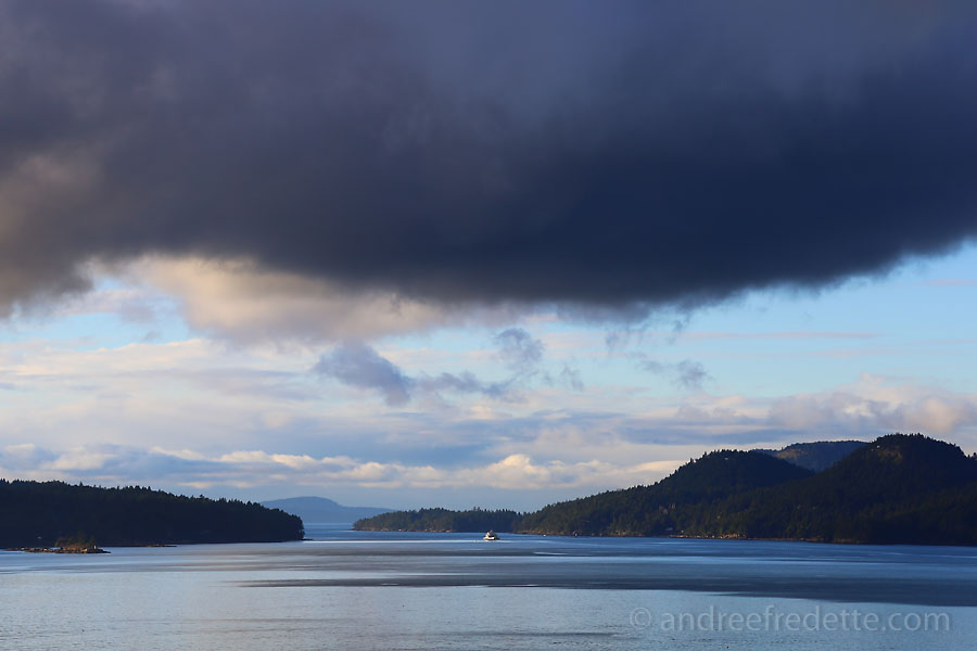 Sunday afternoon ferry, leaving Saturna. Photo by Andrée Fredette