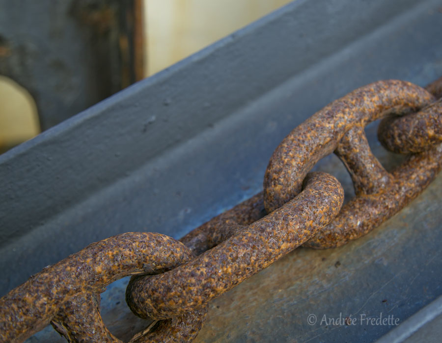 Rusty links, story of my life. Photo by Andrée Fredette
